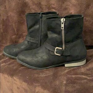 Rampage Short Suede Zippered Boot - Size 9.5
